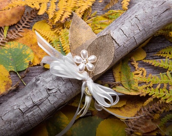 Fall Wedding Corsage - Gold Leaf Wrist Corsage with a Pearl Flower - Rustic Corsage - Gold Wedding - Autumn Wedding