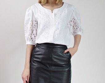 70s White linen folk bohemian openwork womens shirt / size M-L