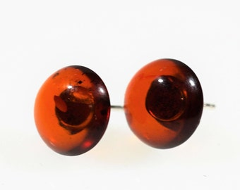 Small amber stud earrings 1,4g