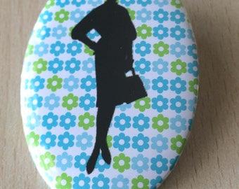 badge / brooch vintage silhouette fashion 17