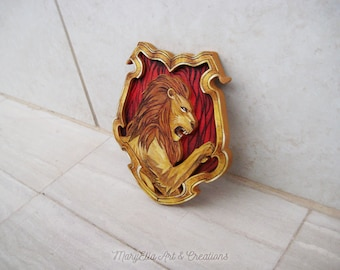 Fan art - Pottermore Gryffindor crest - Wood wall decor, home decor, harry potter decoration, harry potter gift