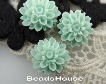 37-00-CA   6Pcs  Natural Shape Chrysanthemum Cabochons - Pale Turquoise