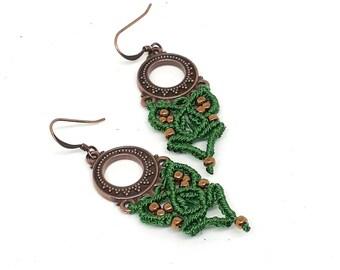 Orecchini lunghi in macrame, chandelier in rame, orecchini in stile boho, orecchini etnici tribali micromacrame, regalo donna