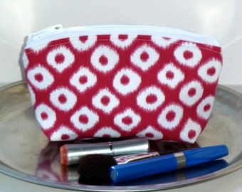 Sale - Makeup Bag - Zippered Pouch - Flat Bottom - Round Top - Pink and White - Ikat - Ready to Ship