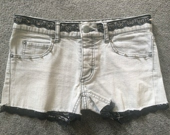 cute grey cutoff high waist short studded lace//size xs/s//handmade