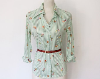 1970s Disco Shirt / Green & White Striped / Floral Print Button-down / Vintage 70s College Town Top