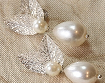 Bridal Pearl Silver Earrings Wedding Bridesmaids Earrings Silver Leafs Earrings Drop pearl  Silver Leaf Ivory pearls Vintage style 1920