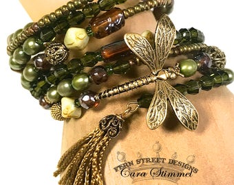 Memory Wire Bracelet, Dragonfly Bracelet,  Vintage Glass Bead, Boho Style Beaded Bracelet, Beaded multi Row Bracelet,