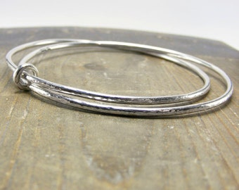 sterling silver double interlinked hammered bangle bracelet