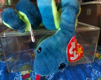 Very Rare 1sy Edition p.v.c and Retired Hissy Beanie Baby with Multiple Tag Errors!