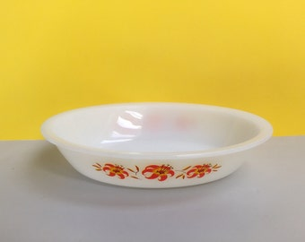 Agee/Crown Pyrex 'Tiger Lily' #PO112 oval pie dish (c. 1973)