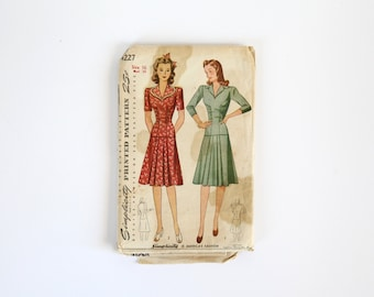 Simplicity Dress Pattern 4227 / Size 16 Bust 34 / 1940s