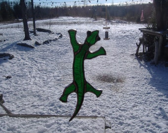gecko stained glass suncatcher