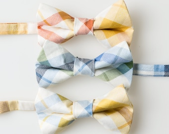 Boys Bow Ties - Plaid on White - Choose One - Baby Bowtie