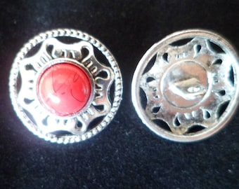 2 buttons with red stem 18 mm Cabochon