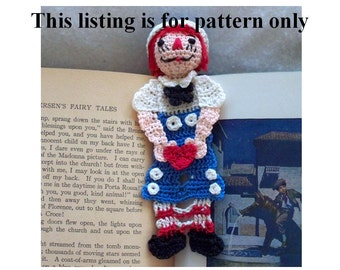raggedy Andy bookmark pattern DIY, thread crochet instructions, amiguri DIY, nursery decor diy, wall art pattern, readers gift diy,