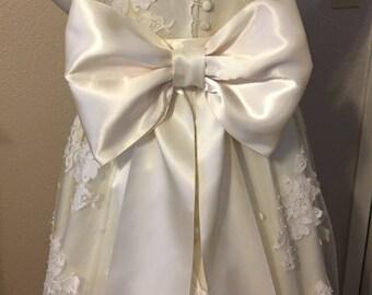 Big Bow Wedding Sash, Extra Large Bridal Bow Sash, Large Bow Wedding Dress Sash