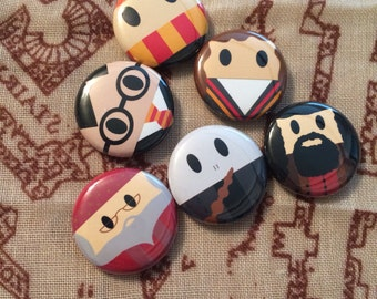 Harry Potter inspired 1 inch buttons! Harry, Ron,Hermione, Dumbledore, Hagrid and Voldemort!  Perfect for park bags, lanyards, and jackets!