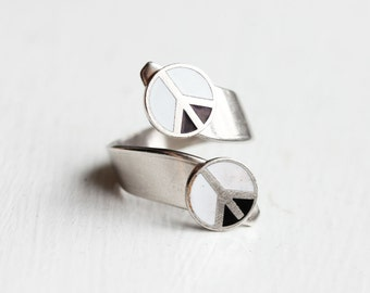 Silver Peace Twist Ring