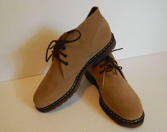 Retro 1980s Sand Coloured Suede Men's Desert Chukka Boots Size 10 New Condition