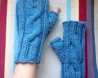 Fingerless gloves - Cornflower blue