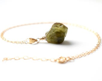 Raw Garnet Pendant, Gold Green Raw Garnet Necklace, Mali Garnet January Birthstone Jewelry, Raw Stone Necklace, Dainty Raw Crystal Necklace