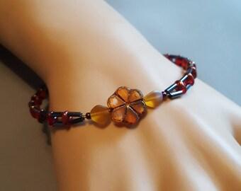 Golden Daisy Beaded Bracelet - women's gift present holiday christmas stocking stuffer holiday birthday anniversary