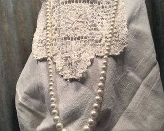 Vintage White Pearl Necklace - Costume Jewelry