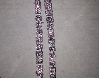 Byzantinue Chainmail Neclace *Pink and Black Ice*, Chainmaille Weave/ Collier Chainmaille Byzantin *Rose et Gris Foncé*
