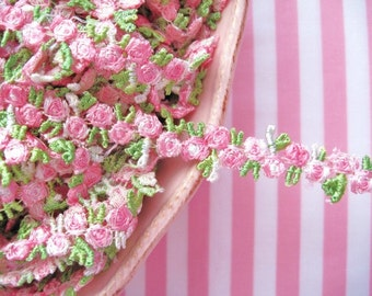 Venise Lace Pink and Green Tri-Bud Rose - 3/4 inch - 1 Yard