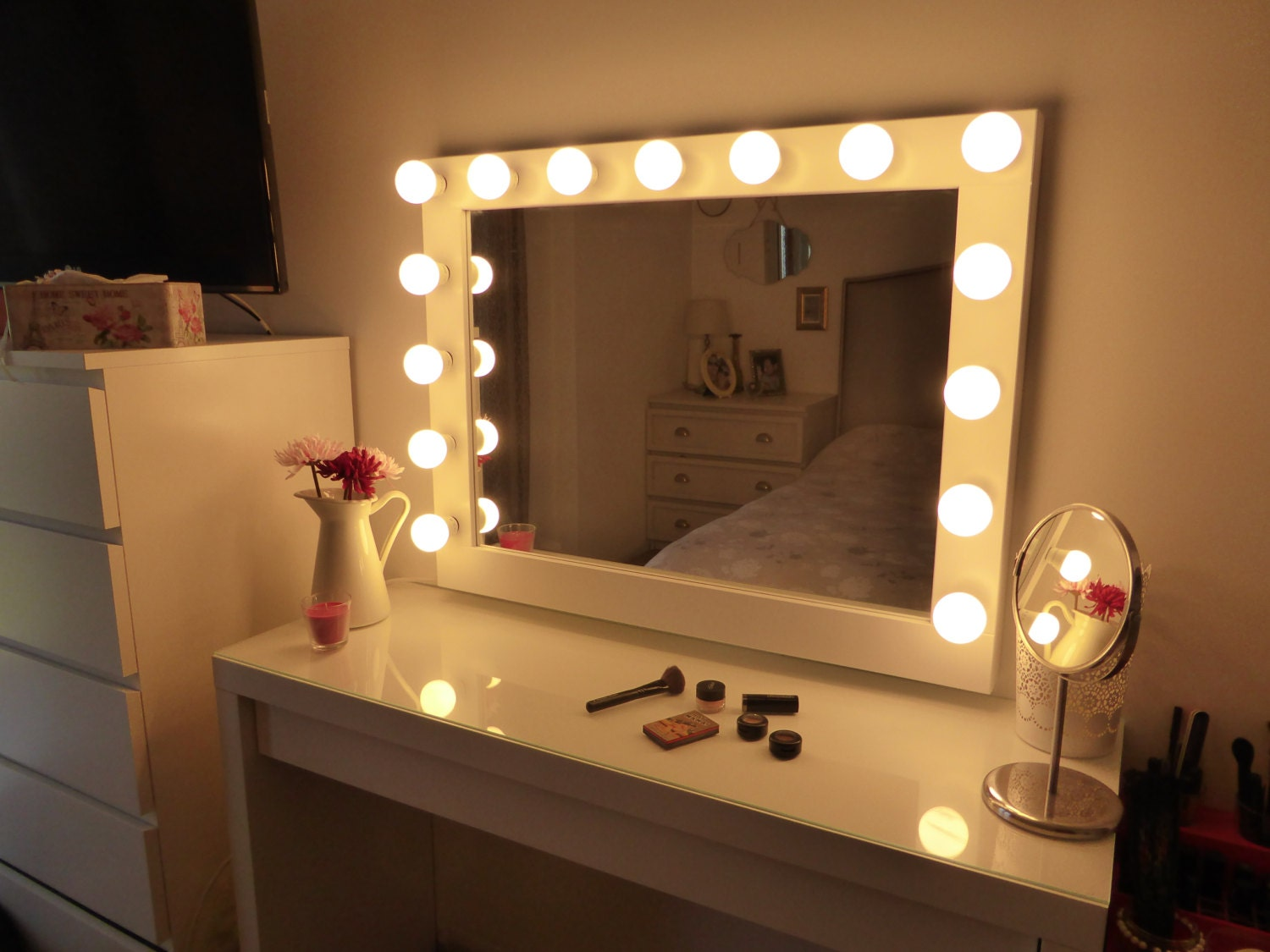 Hollywood lighted vanity mirror large makeup mirror with for Long stand up mirror