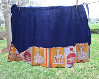 Vintage Navy Blue Half Apron With Decorative Border Pocket