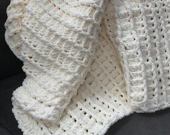 Cozy Vintage White Blanket