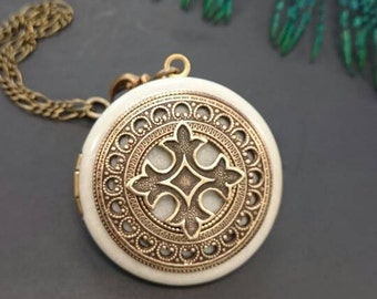 Celtic Cross Locket/antique style/something blue/Anniversary/Bridesmaid gift/Wedding/Birthday/Sister/Mom/Daughter/Photo Picture/friend.