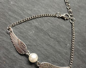 Harry Potter Inspired Silver and Pearl Snitch Ball and Wings Bracelet