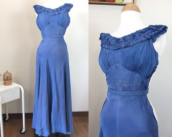 Vintage 1930s Nightgown / Periwinkle blue / Bias cut / Belt / As-Found