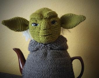 Yoda teapot cosy. Star wars teapot cosy. Yoda crochet. Yoda Star wars. Knitted teapot cozy