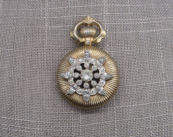 Vintage Mazer faceted rhinestone crystal gold tone signed brooch