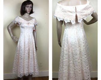 Vintage Lace Dress , 80s Dress, Blush  Chantilly Lace 80s Prom dress,wedding  , strong shoulder ,Sm  80s Prom Dress , Cache , New with tags