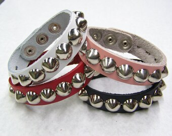 "3/4"" - 19mm Wide Genuine Leather studded Wristband with single rows 1/2"" US/77 Cone studs bracelet Rock Black Red Pink White"