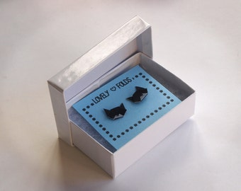 Origami cat earrings in a box