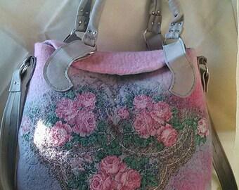 Bag filte. Wet felted bag. Floral embellished bag. Woolen bag . Genuine leather. The felt pouch. Beautiful female bag. Rose bag.