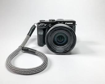 Camera wrist strap, camera strap, strap, wrist strap, hand strap rope, DSLM, DSLR hand strap black/White