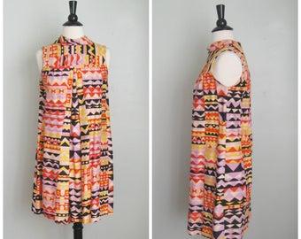 Vintage 1960's Trapeze Dress// Op Art// Size Small// As Is// Pop Colors