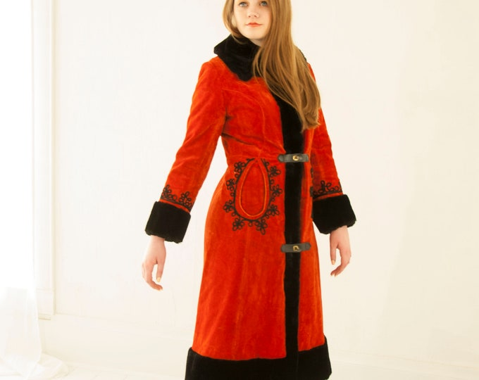 Vintage red black princess coat, faux-fur collar cuffs, long midi embroidered velour jacket 1960s mod M