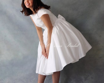 Retro Design 50s Knee/Tea Length Wedding Dress with Tulle Petticoat Low Back and  Cap Sleeves