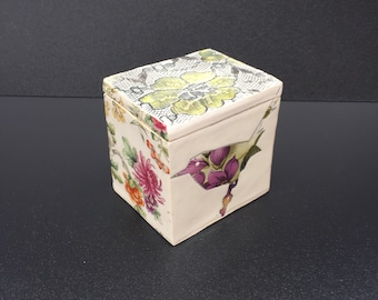 Ceramic Lidded Trinket Box with Wren and Winchat Birds with Yellow/Gold Lustre & Floral Enamels