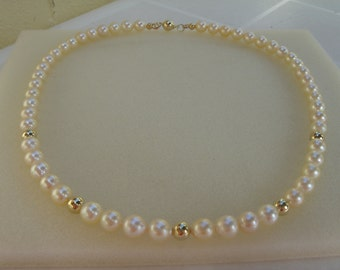 Akoya pearl, Pearl necklace, gold 585
