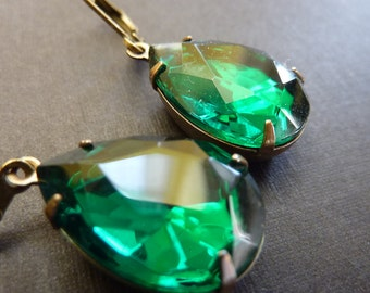 Emerald Green Earrings Teardrop Drop Vintage Estate Style Earrings