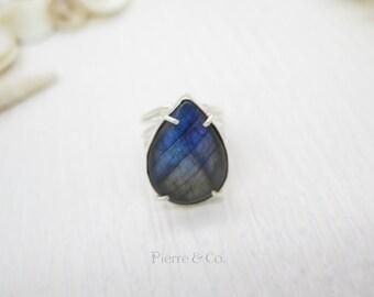 Blue Shine Labradorite Sterling Silver Ring (Size 9)